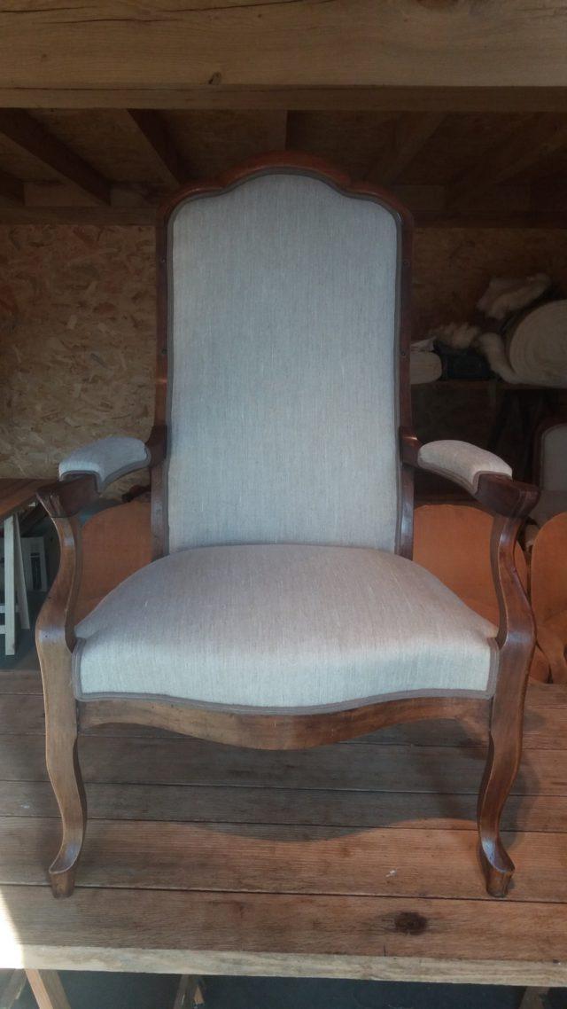 Restauratie meubel na (frontaal)